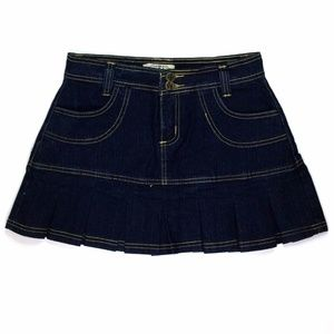 N.S.I. Women's  Skirt Size 5/6 W28 Dark Blue